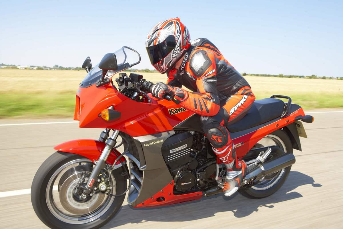 Kawasaki Gpz  Top Speed