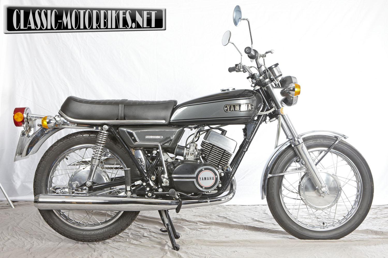 Yamaha yds7 road test classic motorbikes for Yamaha 350cc motorcycles