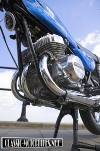Kawasaki S1 250 triple engine