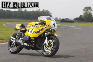 Yamaha RD700