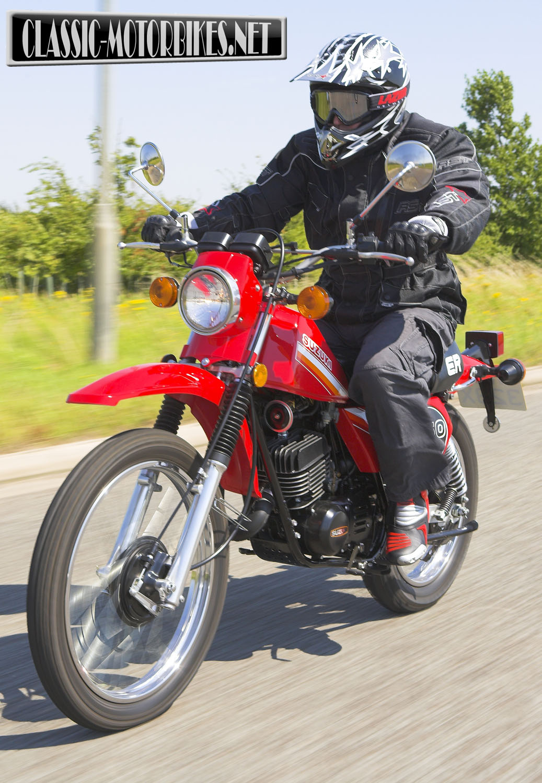 Suzuki ts250 road test classic motorbikes for Ecksofa 250 x 250