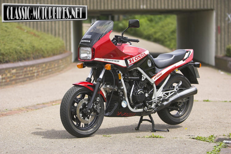 Honda VF1000F Road Test | Classic Motorbikes