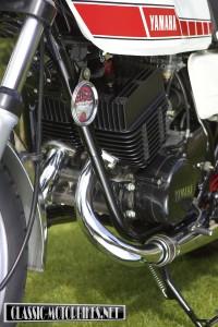 Yamaha RD400F engine