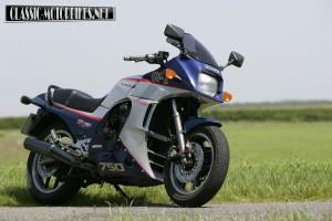 Kawasaki GPz750R G1