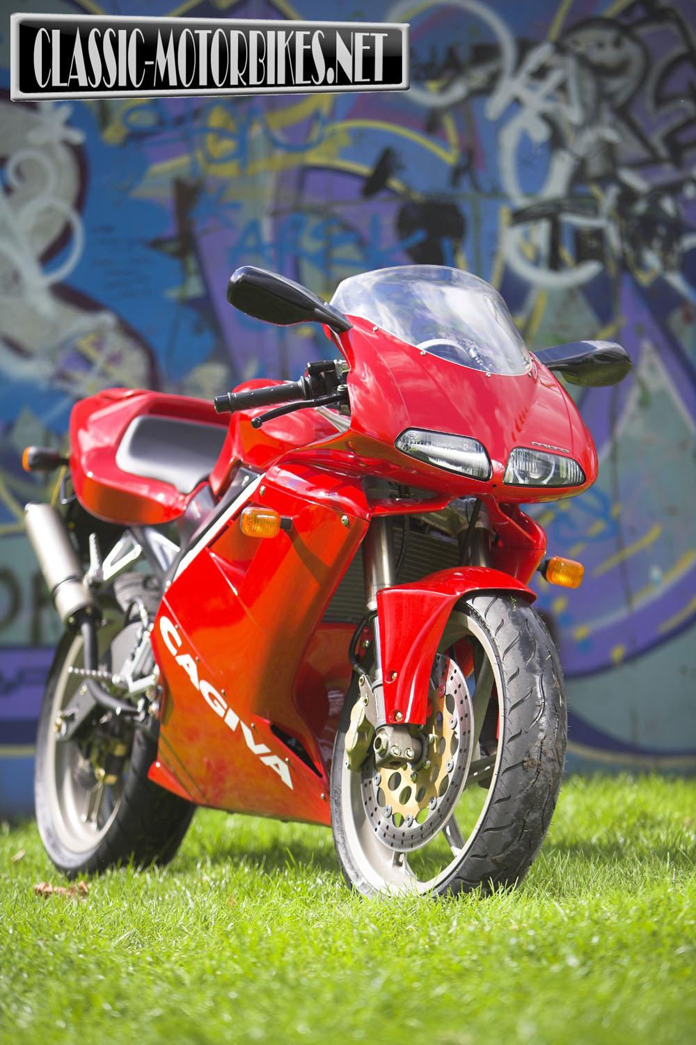 cagiva mito 125 road test classic motorbikes. Black Bedroom Furniture Sets. Home Design Ideas