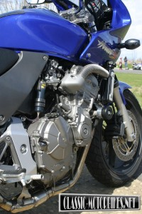 Honda Hornet Engine
