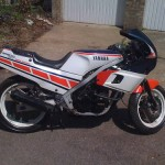 Yamaha FZR400 Gallery