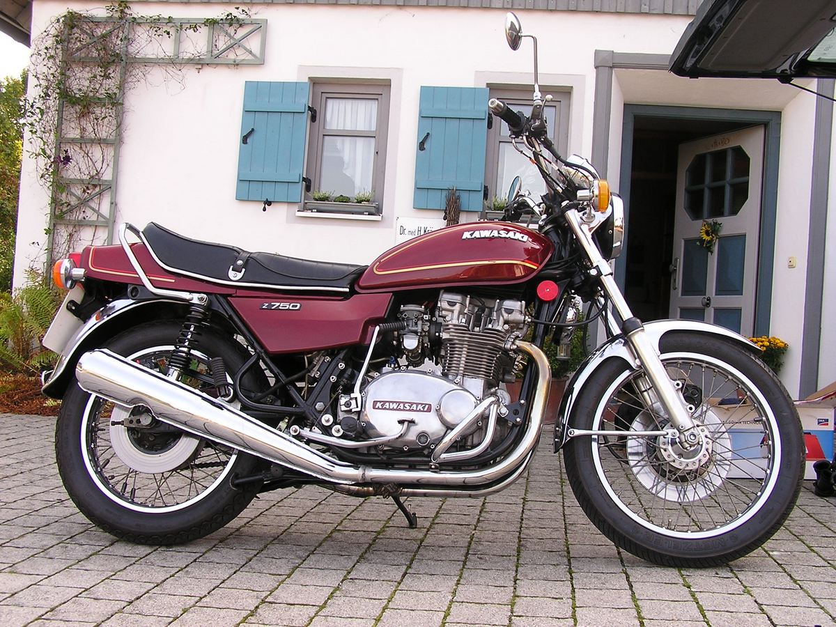 kawasaki z750 gallery classic motorbikes. Black Bedroom Furniture Sets. Home Design Ideas