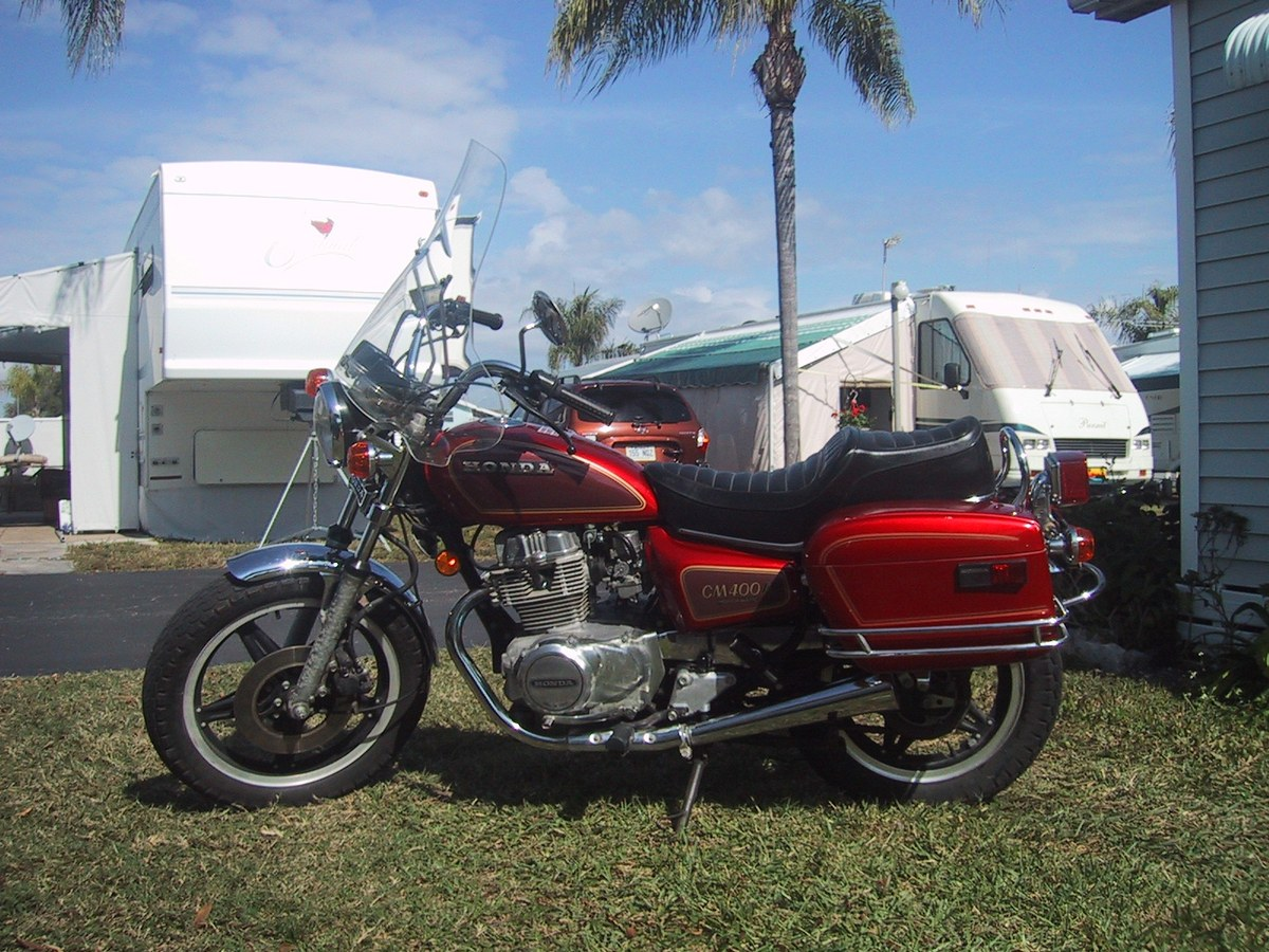 D Cx Deluxe Tank S L as well D Looking Hondaline Hard Case Saddlebags Honda Cm T furthermore Honda Cm Scrambler X furthermore  furthermore Honda Cb C. on 1981 honda cm400
