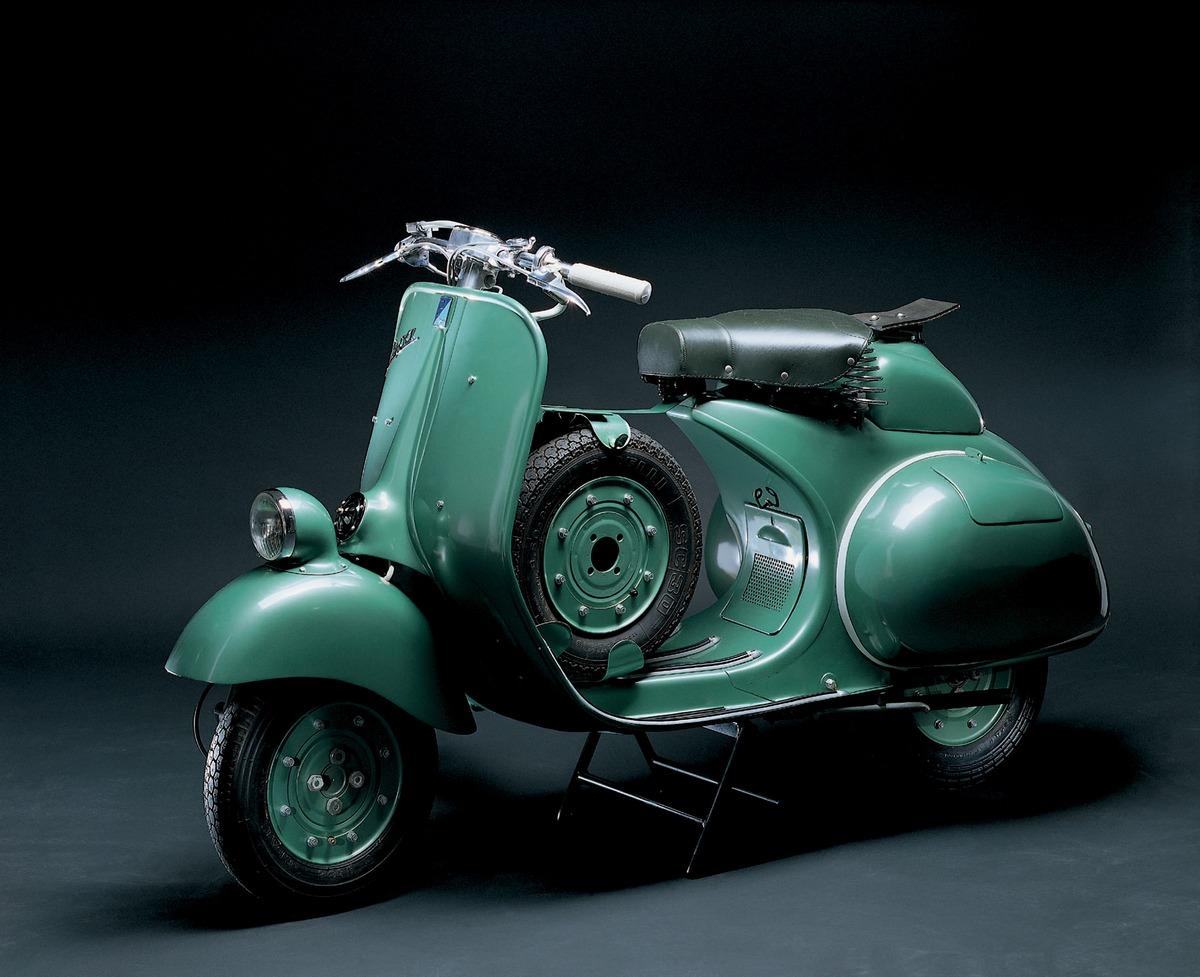 Vespa Classic Scooters | Classic Motorbikes