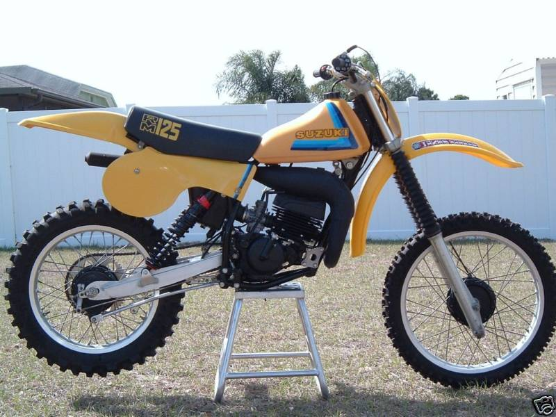 suzuki rm125 gallery classic motorbikes. Black Bedroom Furniture Sets. Home Design Ideas