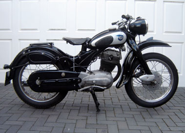 nsu classic motorcycles classic motorbikes. Black Bedroom Furniture Sets. Home Design Ideas