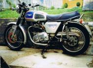 Bonneville T140J