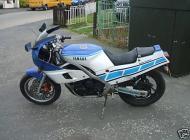 FZR400