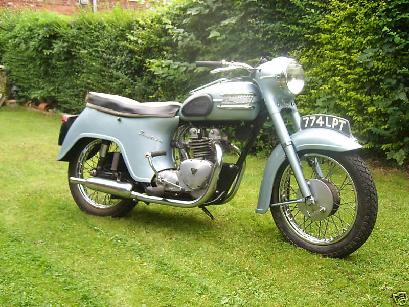 Suzuki GT550 Gallery - Classic Motorbikes