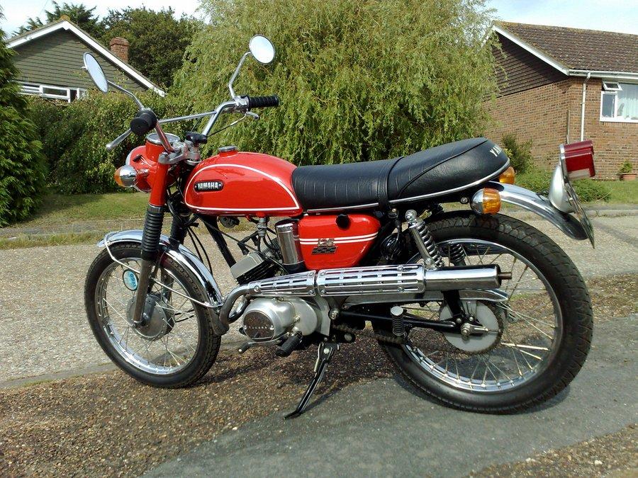 yamaha as2 classic motorbikes. Black Bedroom Furniture Sets. Home Design Ideas