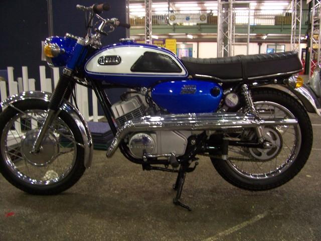 Yamaha classic motorcycles classic motorbikes for Yamaha 350cc motorcycles