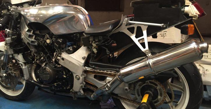 Honda RC-30 Special