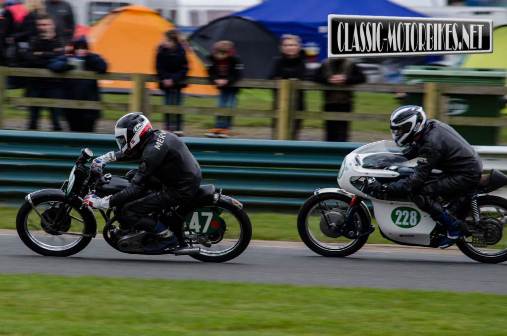 Mervyn Stratford - 1934 Rudge 250 & Roger Farris - 1965 Greaves Silverstone 250