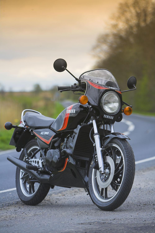 Yamaha RD350LC Road Test - Classic Motorbikes