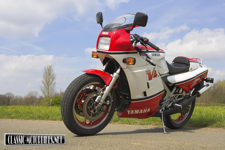 Yamaha RD500LC Road Test - Classic Motorbikes