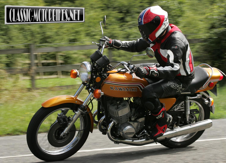 Kawasaki  Triple Cylinder Street Bike