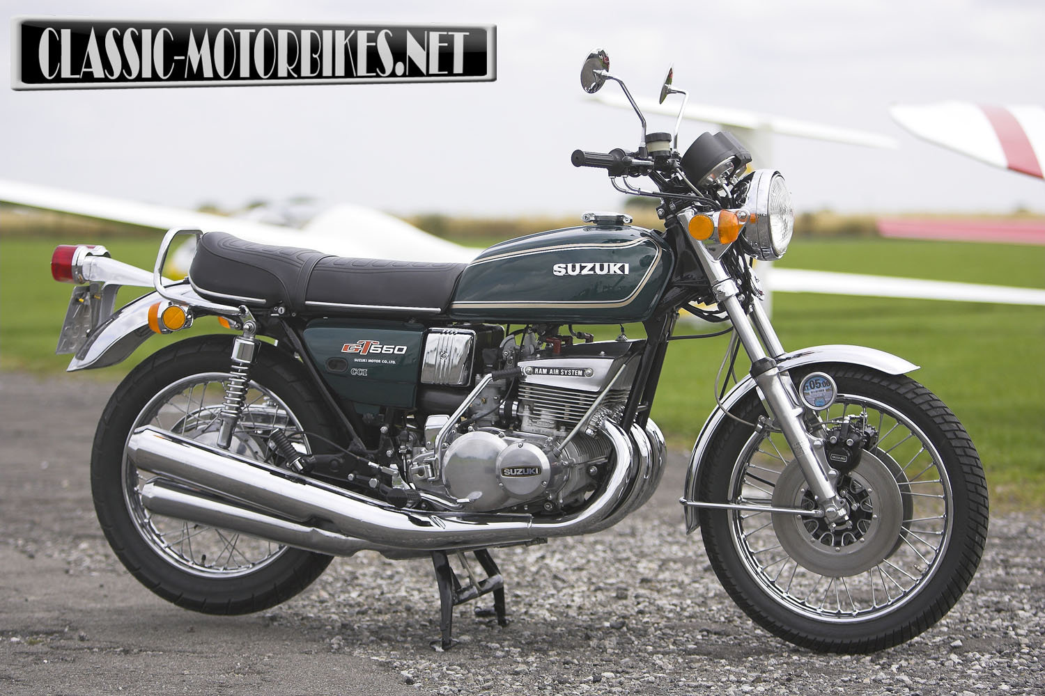 suzuki gt550 road test classic motorbikes. Black Bedroom Furniture Sets. Home Design Ideas