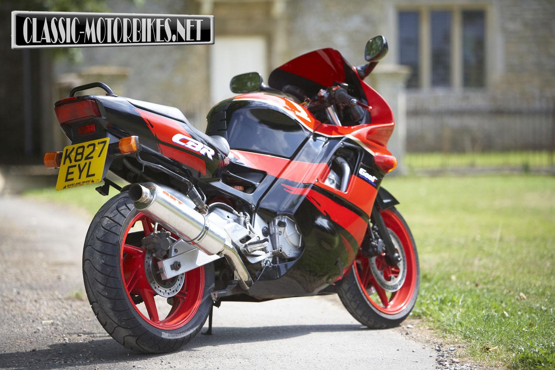 honda cbr600f road test classic motorbikes. Black Bedroom Furniture Sets. Home Design Ideas