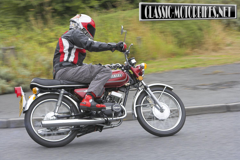 yamaha rd125b road test classic motorbikes. Black Bedroom Furniture Sets. Home Design Ideas