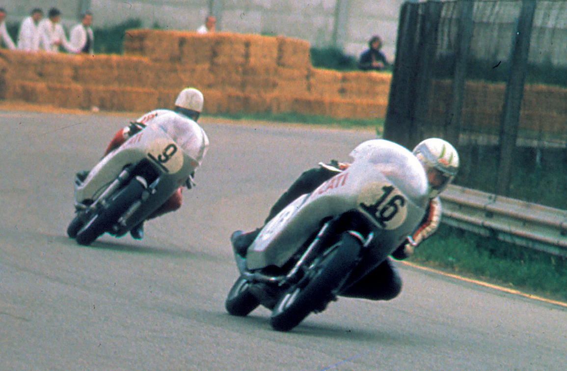 Histoire de la moto. 1972_750-Imola_Smart-Spaggiari_Imola-2001