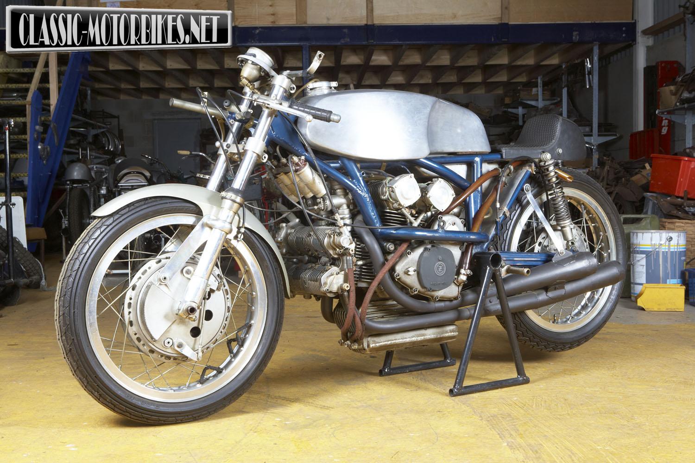 https://classic-motorbikes.net/wp-content/uploads/2012/09/CZ500-49.jpg