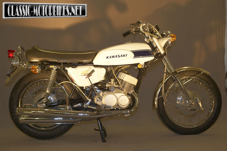 1969 Kawasaki H1 Restoration - Classic Motorbikes