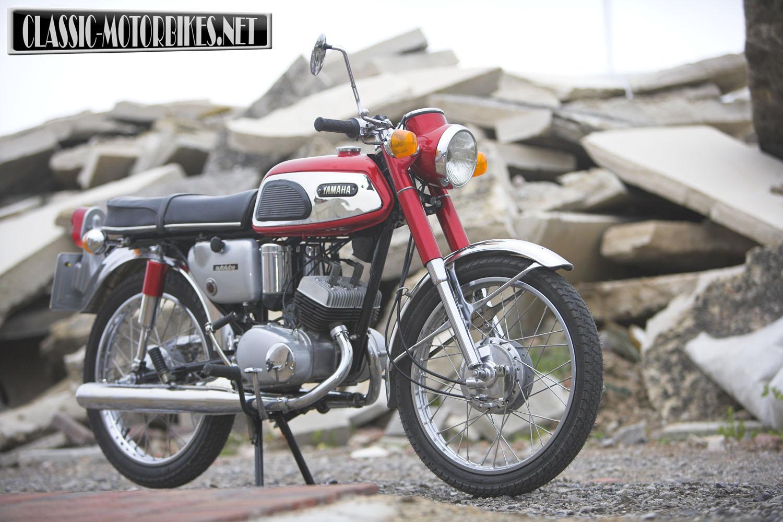 Yamaha yas1 road test classic motorbikes for Yamaha 350cc motorcycles