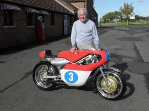 Sammy Miller with his iconic type 673 1969 Jawa 4