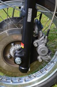 Ducati 750 Sport brakes