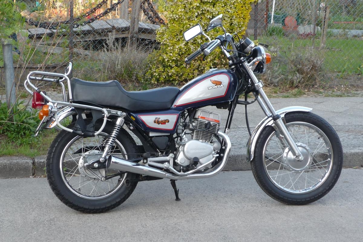 honda cm125 classic bike gallery classic motorbikes. Black Bedroom Furniture Sets. Home Design Ideas