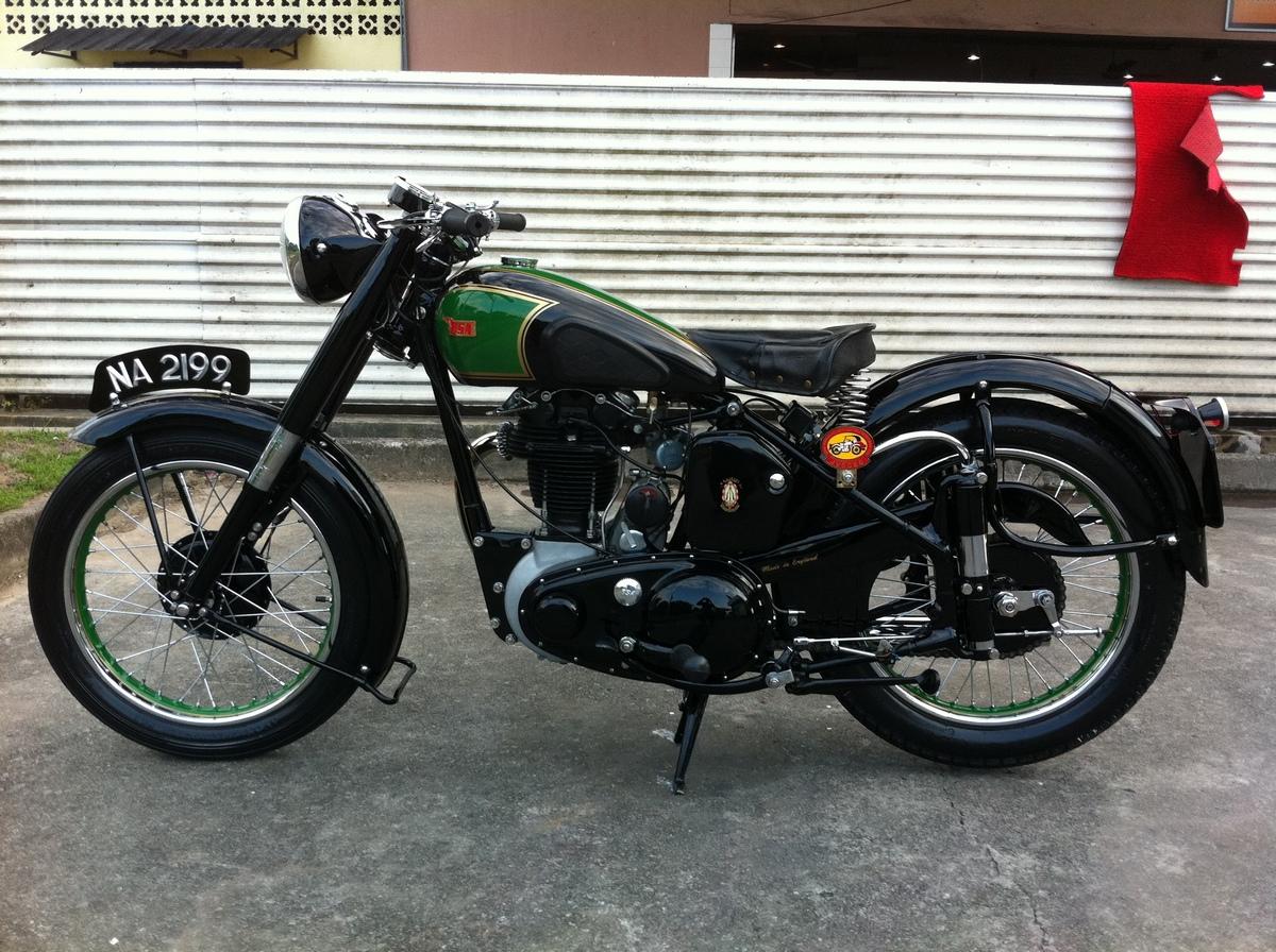 BSA B31 Gallery - Classic Motorbikes