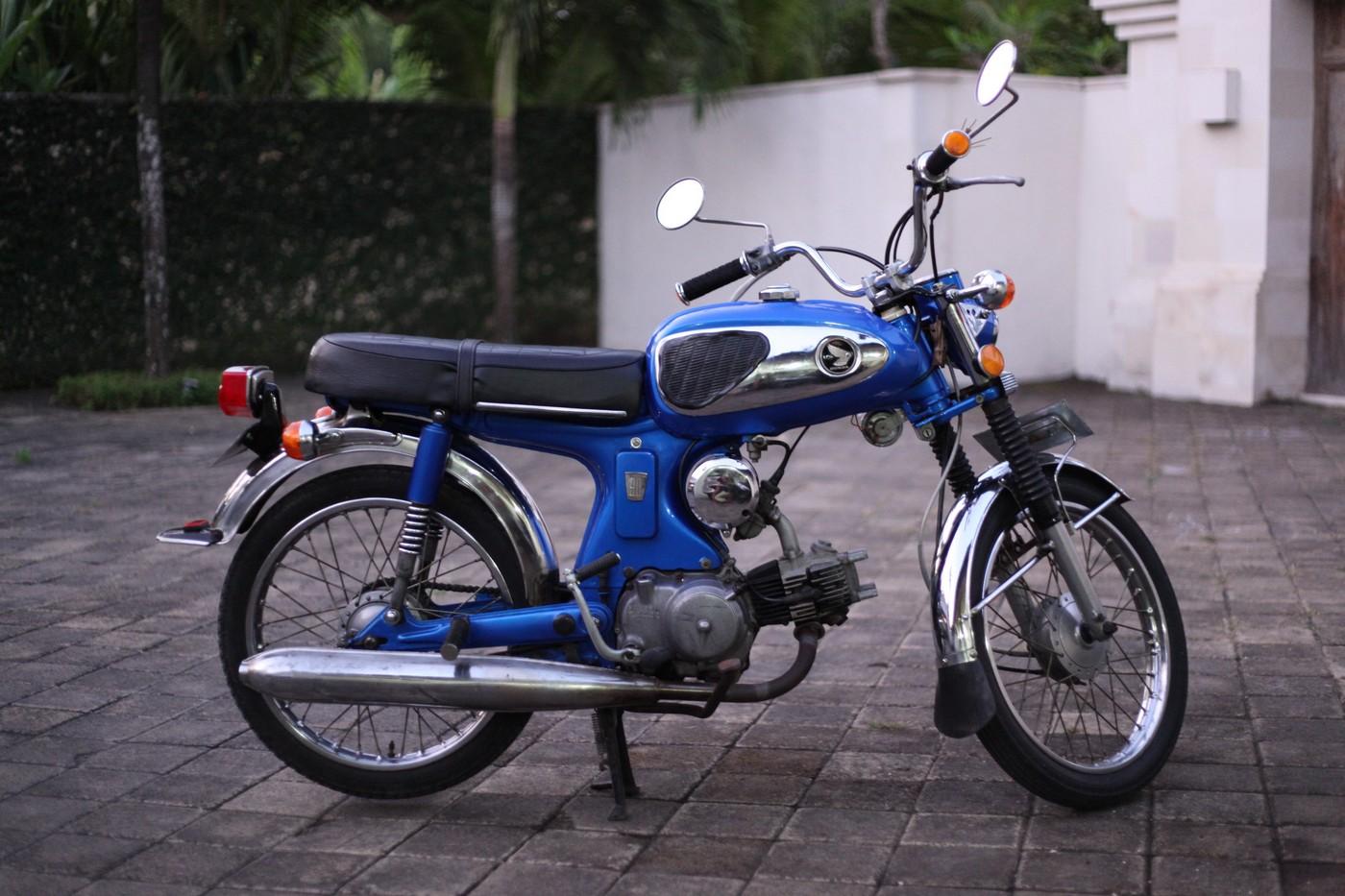 Honda S90 Gallery Classic Motorbikes