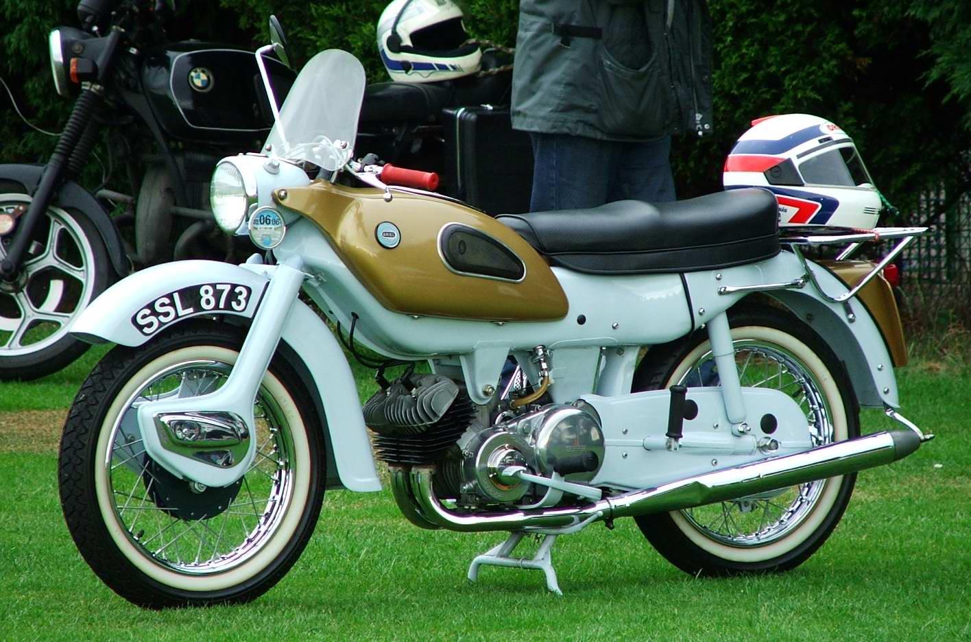 Ariel Arrow Classic Bikes Gallery - Classic Motorbikes