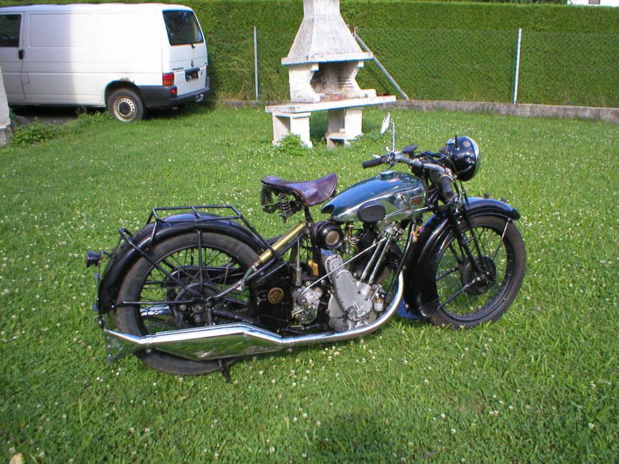 bsa sloper gallery classic motorbikes. Black Bedroom Furniture Sets. Home Design Ideas