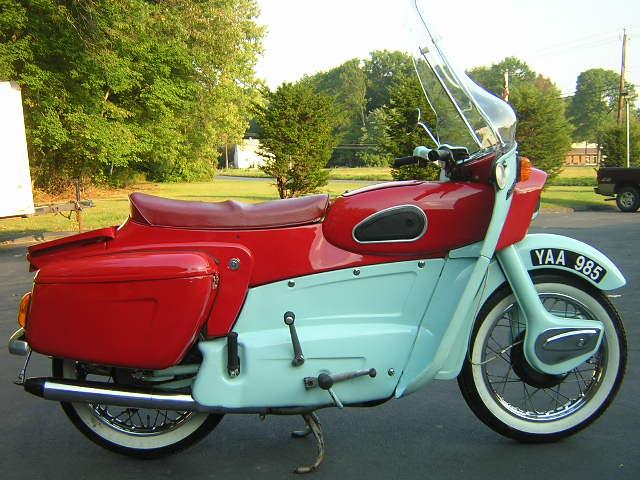 Ariel Leader Classic Bikes Gallery - Classic Motorbikes