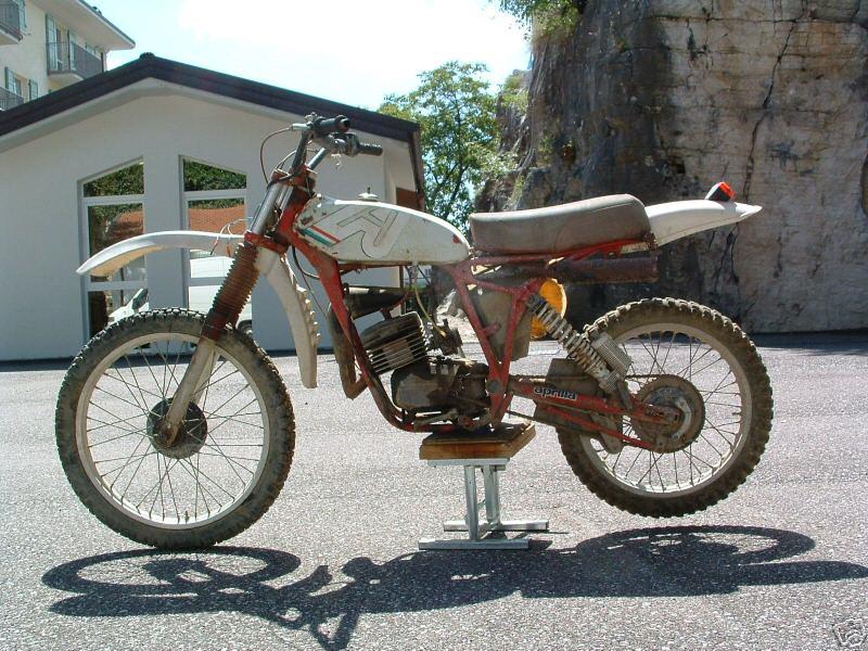 aprilia classic bikes classic motorbikes. Black Bedroom Furniture Sets. Home Design Ideas