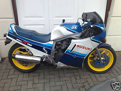 Suzuki GSXR750 Gallery - Classic Motorbikes