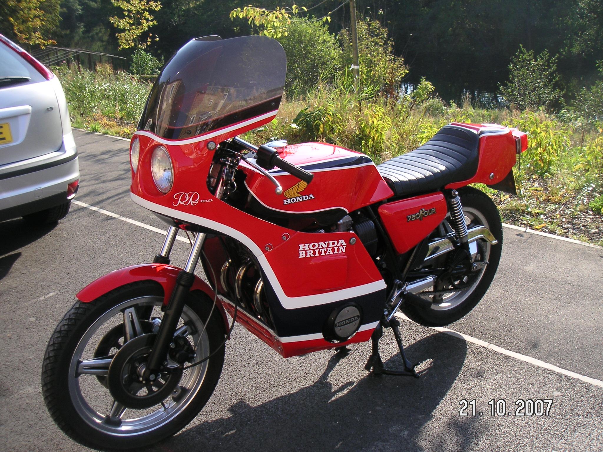 Cb750 Gallery Classic Motorbikes 1975 Honda Cb750f Britain 750 Phil Read Replica