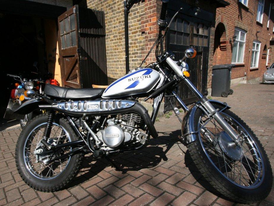 Suzuki TS250 Gallery - Classic Motorbikes