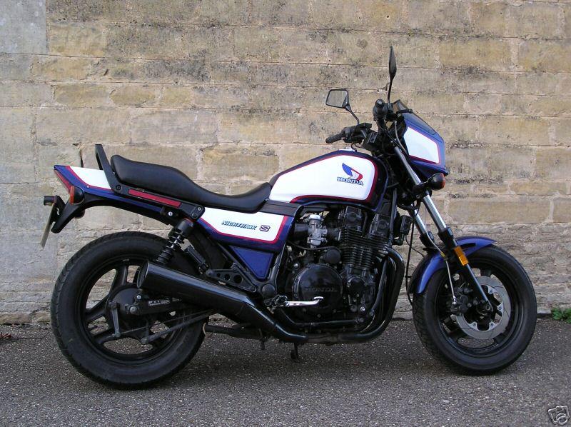Honda Nighthawk - Classic Motorbikes