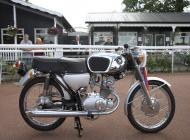 Honda CB125 Supersport