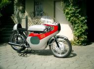 Honda CB72 Racer