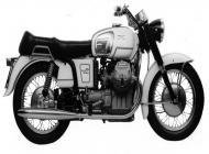 Moto Guzzi V7 700