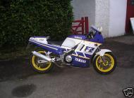 Yamaha FZ750 Genesis